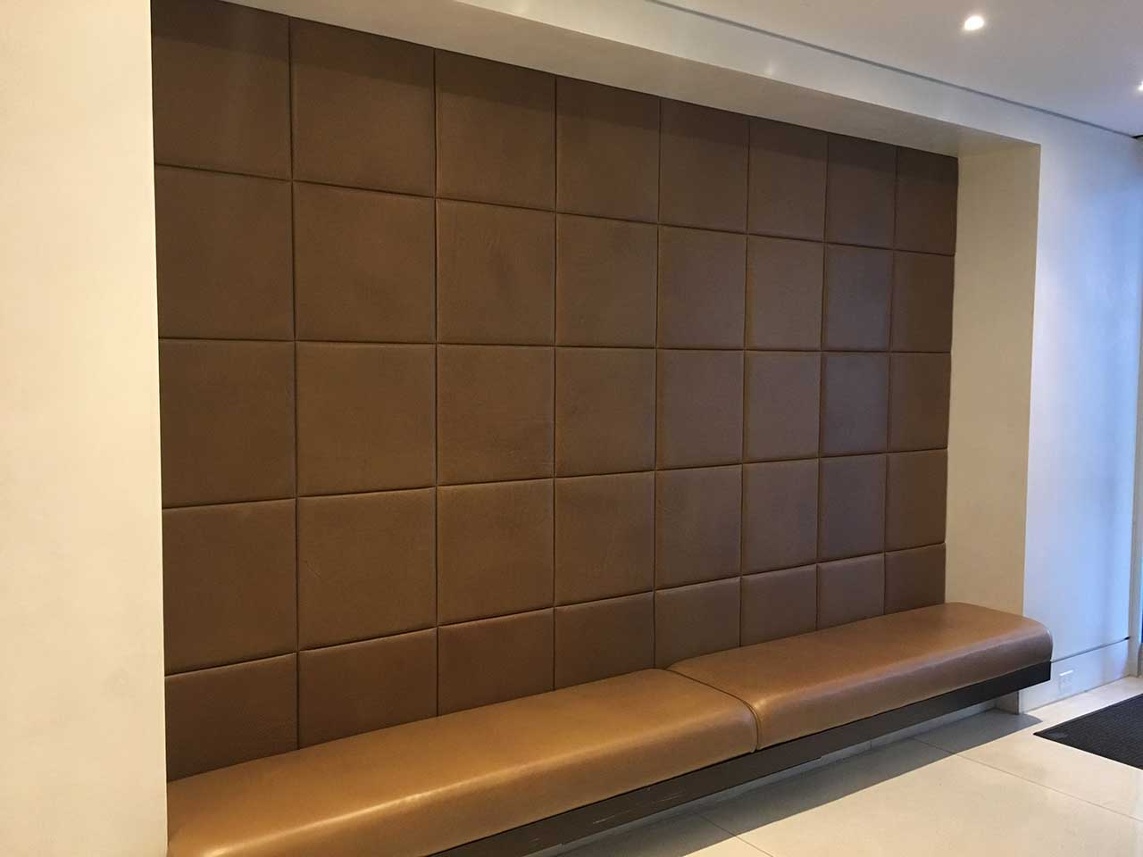 wallpering-living-room