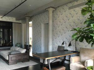 wallpering-living-room